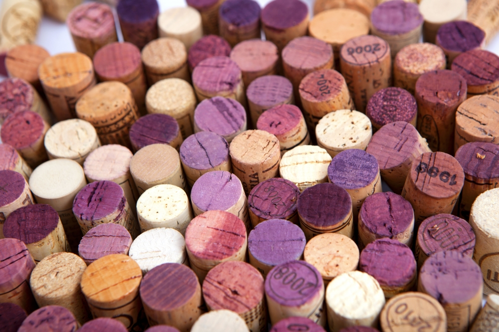 Wine Report - corks v screw tops